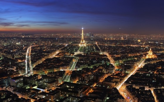 paris-tour-eiffel-la-nuit-928x580